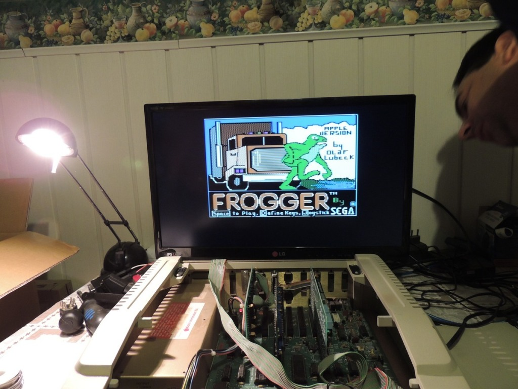 Apple IIe opened w Frogger_small