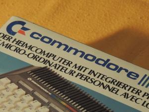 Commodore Plus/4 box