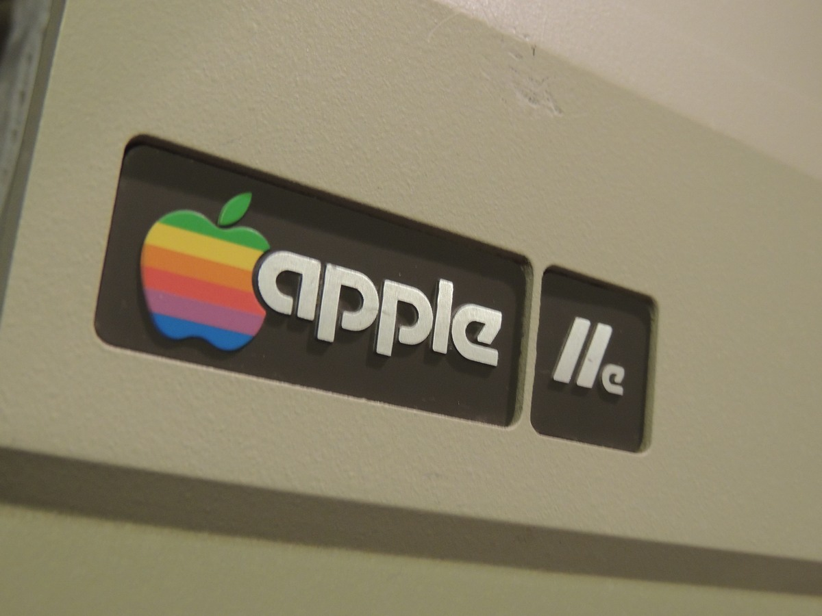 Apple IIe logo